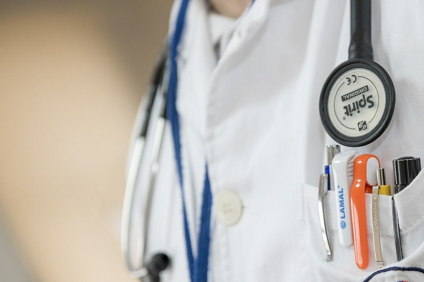 Doctors Should Be Paid by Salary, Not Fee-For-Service